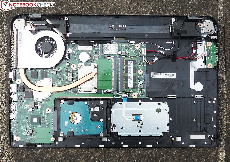 http://www.notebookcheck.biz/fileadmin/Notebooks/Toshiba/Satellite_L70-B-130/DSCN1158.JPG