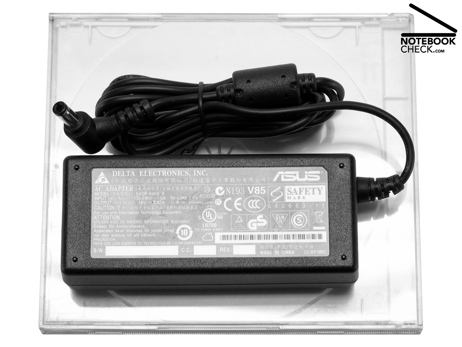Critique De L Ultraportable Asus U2e 1p017e Notebookcheck Fr