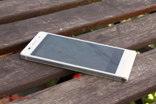 In review: Huawei Ascend P6. Review sample courtesy of Huawei.