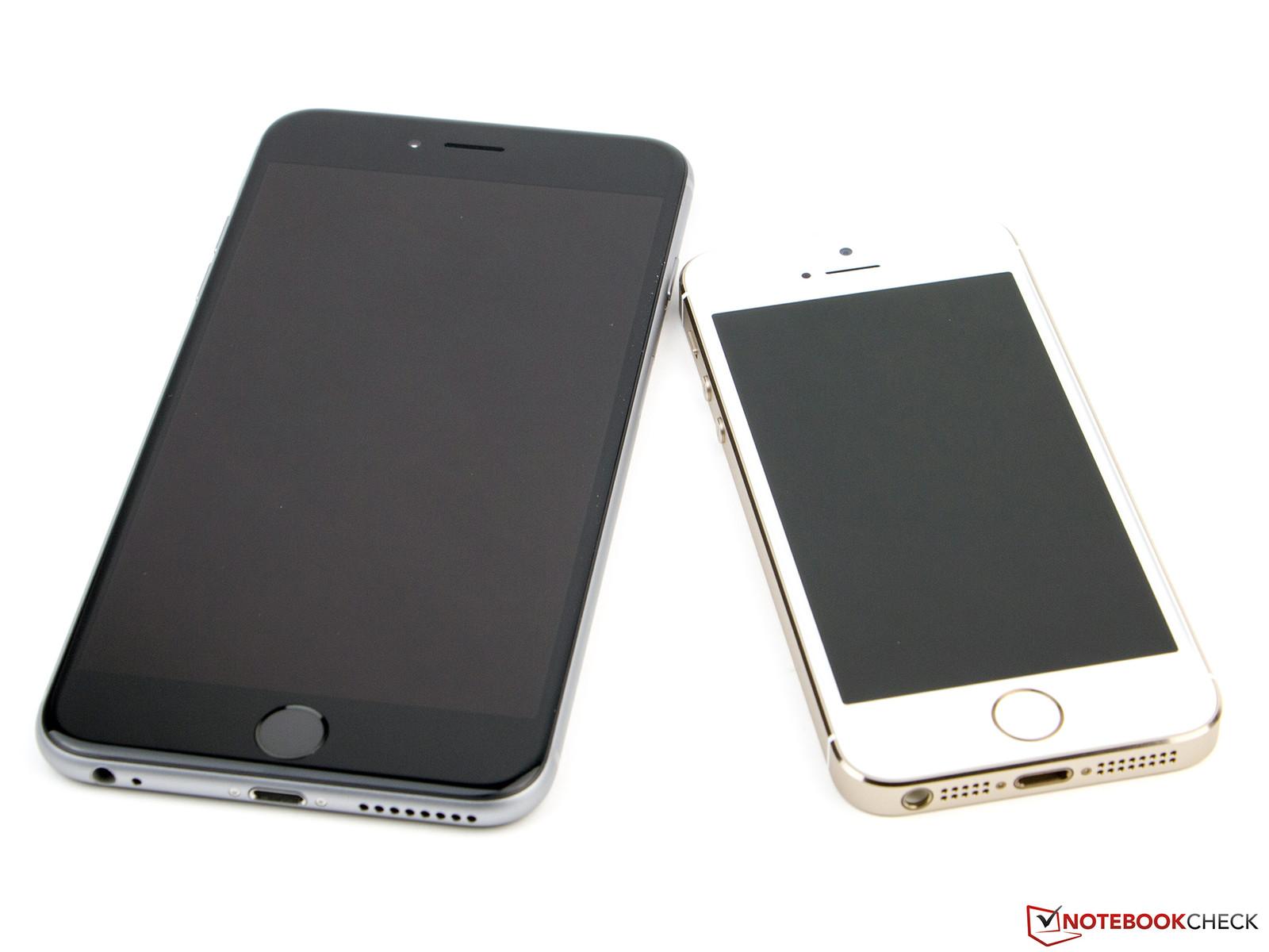 Par rapport à l iPhone 5s (à droite), l iPhone 6 Plus fait office de géant. 1ef3d0fcce2e