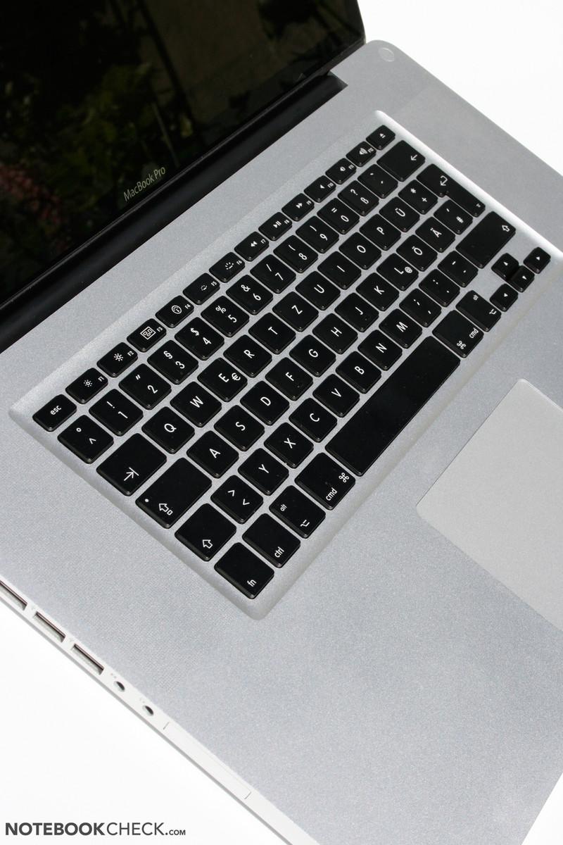 critique du apple macbook pro 17 pouces 2010 04. Black Bedroom Furniture Sets. Home Design Ideas